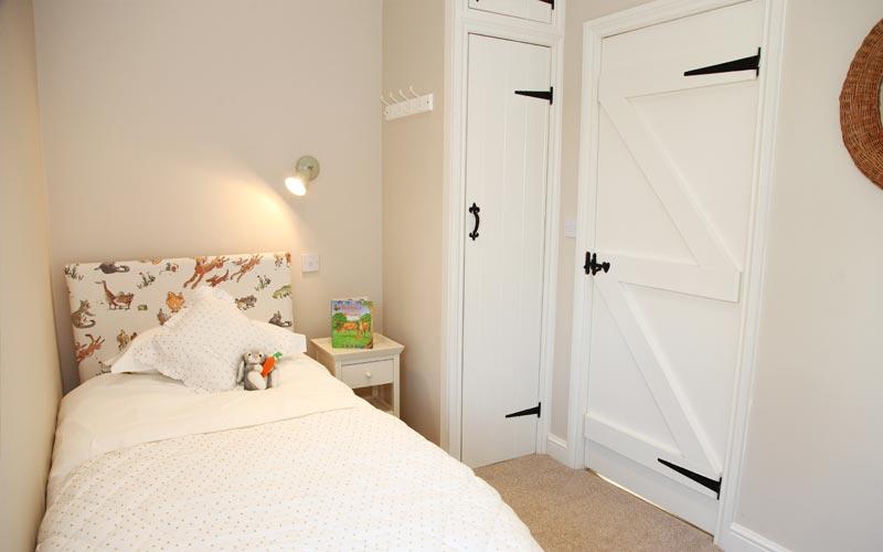 willow-cottage bedroom - farm cottages devon