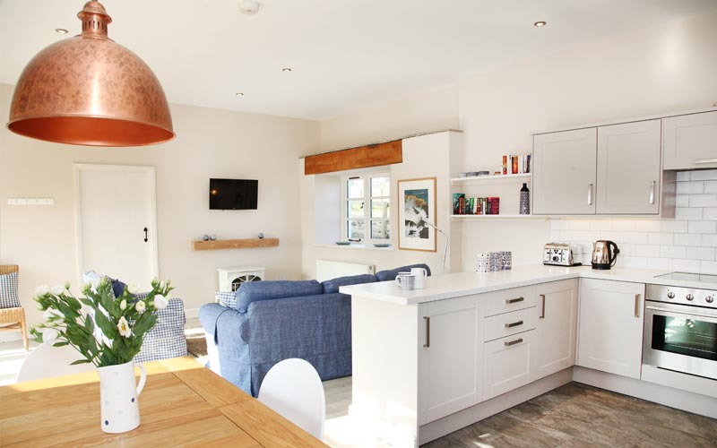 willow cottage kitchen - farm cottages devon
