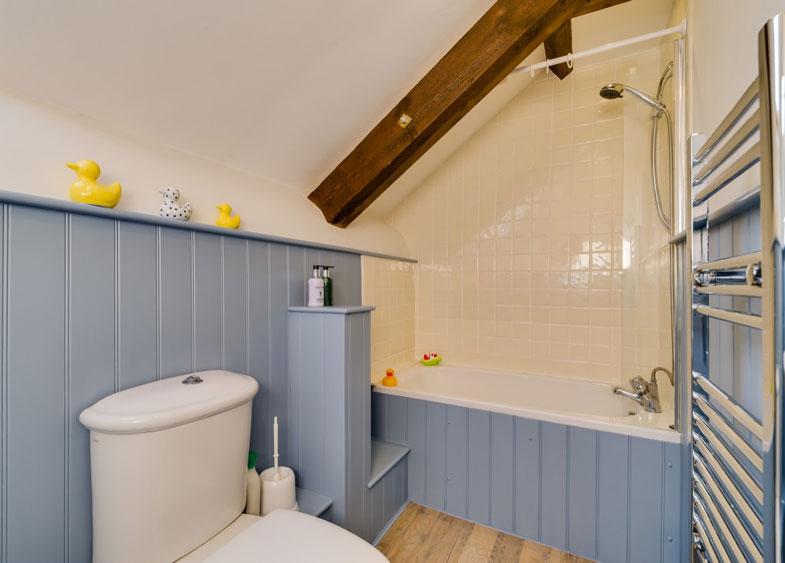 Bramble bathroom | Birchill Farm Cottages | Devon