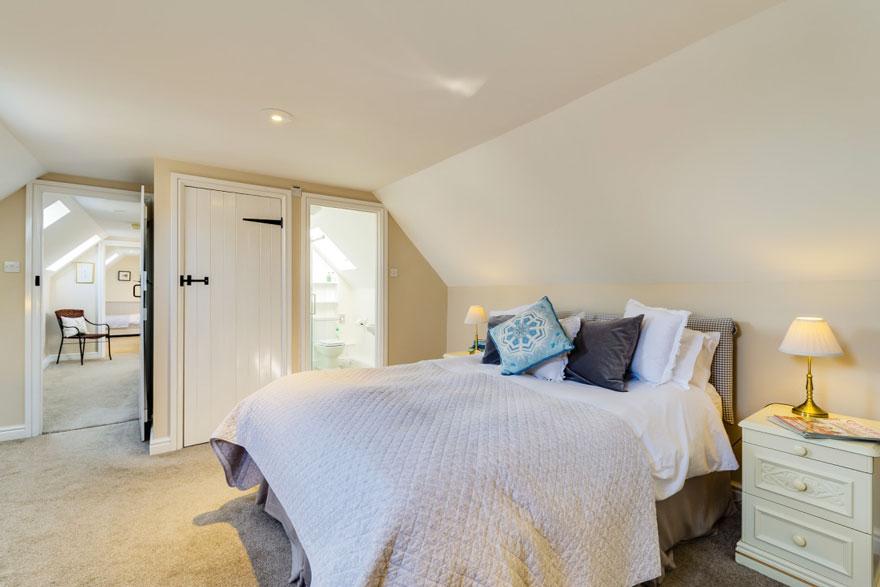 Granary main bedroom | Birchill Farm Cottages | Devon