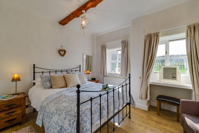 Hazel main bedroom | Birchill Farm Cottages | Devon