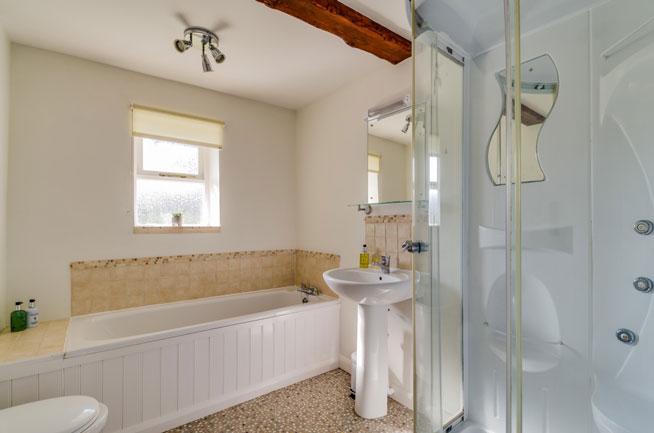 Hazel bathroom | Birchill Farm Cottages | Devon