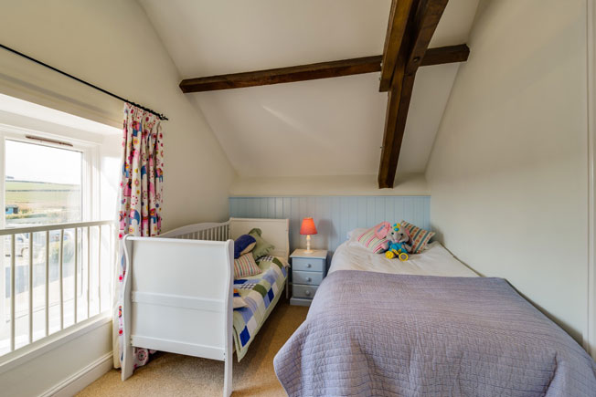 Oak Apple bedroom | Birchill Farm Cottages | Devon